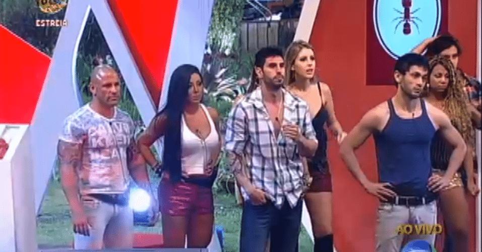 Por causa da derrota a equipe vermelha, constituída por Bianca, Halan, Haysam, Karine, Natalia, Nuelle, Rodrigo Simões e Thyago, ficou encarregada de cumprir as tarefas da semana e se tornou a primeira Equipe Formiga do reality