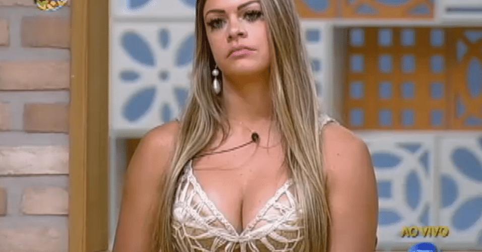 A estilista Manoella venceu sua primeira roça e eliminou a dentista Flávia. A paranaense recebeu 53% dos votos e seguiu na disputa pelo prêmio de R$ 1 milhão. A eliminação ocorreu no dia 10/01/2013