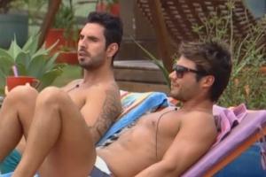 Victor e Thyago comentam sobre bunda de Ísis