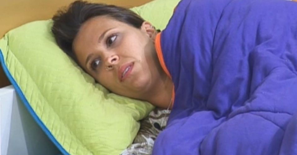 """""""Seria a Nuelle"""", diz Angelis sobre quem seria a ex-peoa mais bonita"""