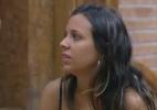 """""""O que será que o Brasil está achando do meu romance com a Manoella?"""", questiona Angelis - Reprodução/Record"""