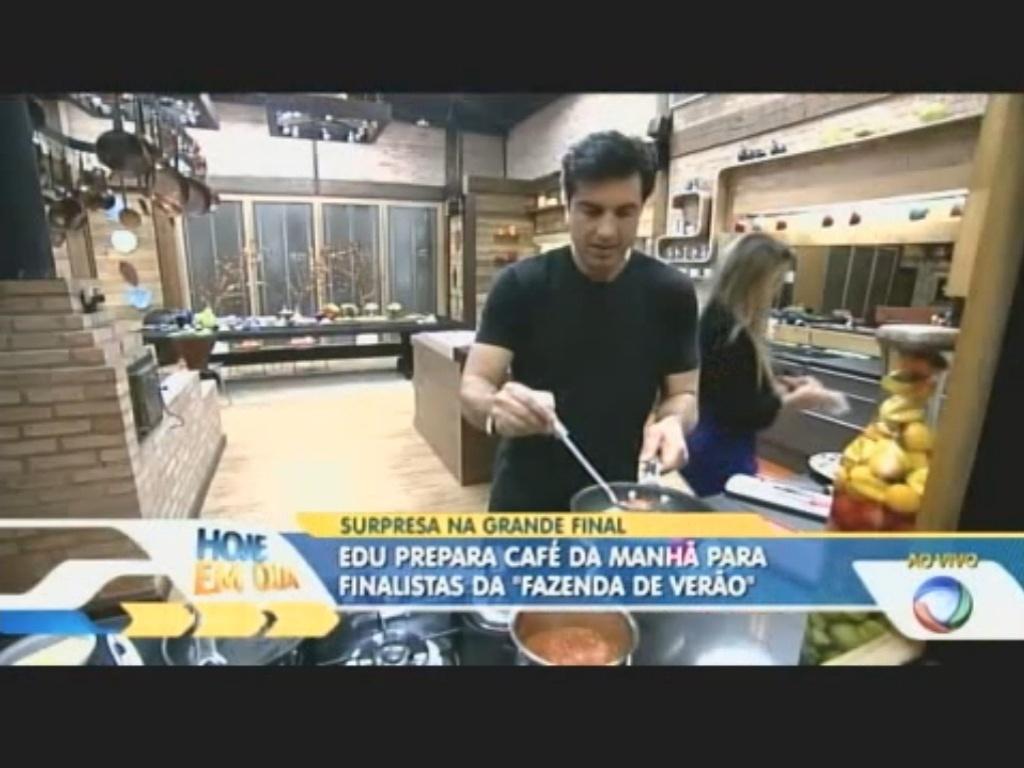 Edu Guedes prepara café da manhã para finalistas da
