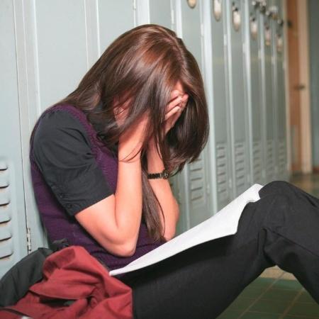 Relatos de assédio sexual pelas ex-alunas da instituição foram publicados no Twitter, de forma anônima - Getty Images/iStockphoto