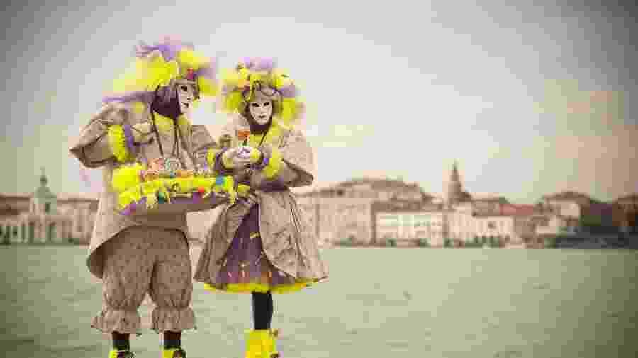 Tajes típicos do Carnaval em Veneza, na Itália - iStock