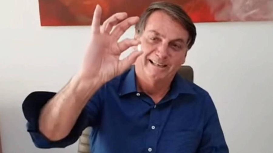 Bolsonaro publicou vídeo tomando cloroquina; não há evidências de que remédio ajude contra Covid - Reprodução