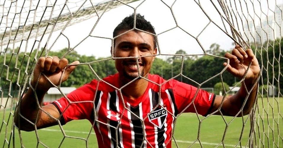 São Paulo oficializa contratação do atacante Kieza, terceiro reforço do clube paulista para 2016
