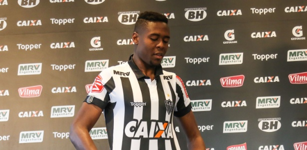 Roger Bernardo foi regularizado um dia após ser apresentado pelo Atlético-MG