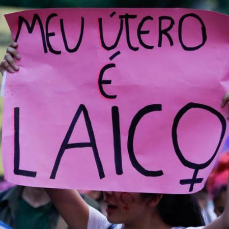 Ato de movimento feminista para a legalização do aborto em São Paulo - Alice Vergueiro - 08.dez.2016/Folhapress