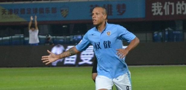 Atacante foi campeão e artilheiro da segunda divisão chinesa