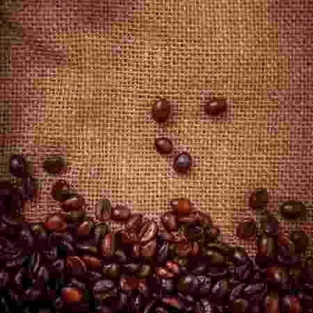 Grãos de café, produto preferido dos brasileiros segundo pesquisa - Getty Images
