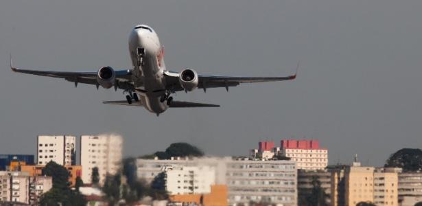 Tem voo marcado para hoje? Passagem pode ser cancelada ou adiada sem multa - Danilo Verpa/Folhapress
