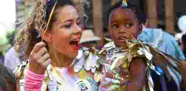 Leandra Leal com a filha Julia durante o carnaval paulistano - Reprodução/Instagram