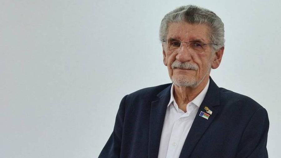 Herzem Gusmão (MDB), de 72 anos, morreu por volta das 21h de ontem devido a complicações da covid-19 - Divulgação