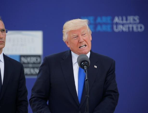 25.mai.2017 - Donald Trump, presidente dos EUA, discursa ao lado do secretário-geral da OTAN, Jens Stoltenberg, no início da cúpula da OTAN em sua nova sede em Bruxelas, na Bélgica - Jonathan Ernst/Reuters