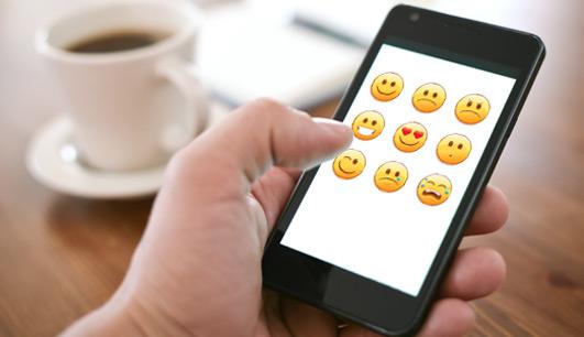 Como ativar o teclado de emoticons do WhatsApp no iPhone